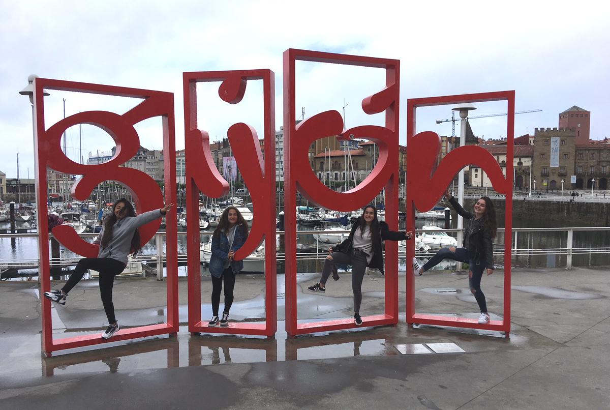 Cuatro alumnas del IES Torres Quevedo presentan en Gijón su proyecto Erasmus+