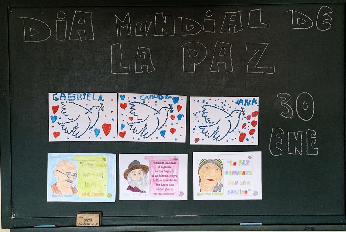 Los escolares del colegio San José de Astillero ¡Queremos la PAZ!