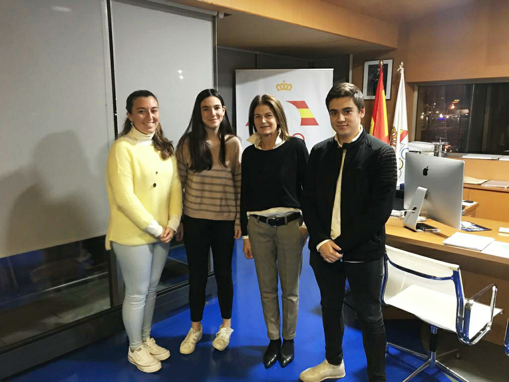 """Julia Casanueva, presidenta de la FEDV: """"En los lugares con mar la vela debería estar en el currículo escolar"""""""